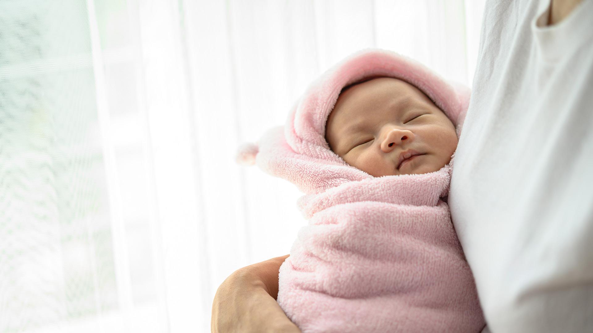 Newborn babysitter services